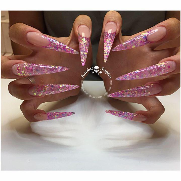 kackas naglar
