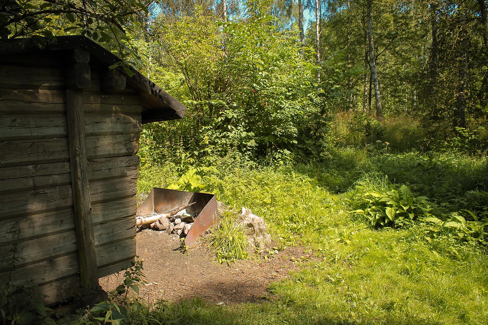 Lägerplats Alunbruket Lägerplats med vindskydd